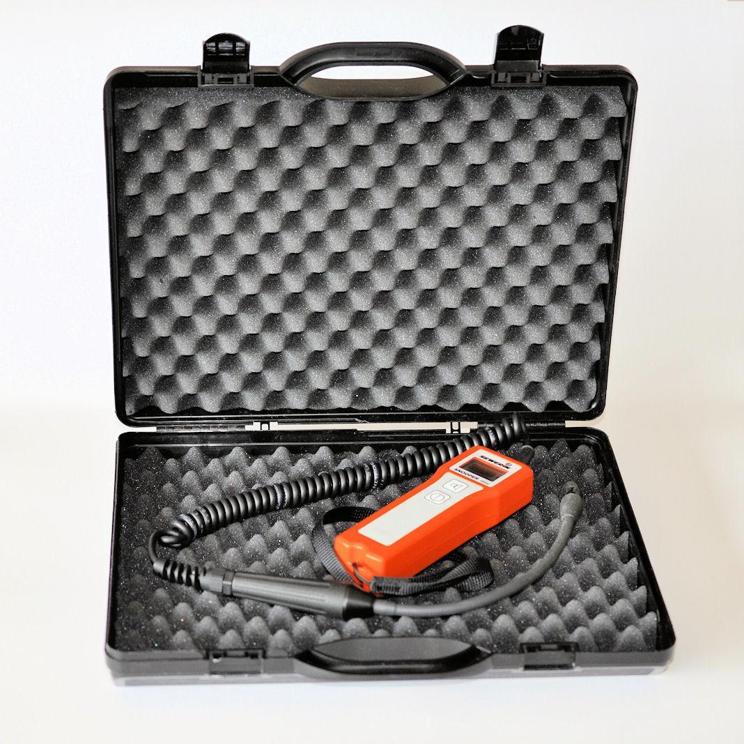 Przyrząd w walizce do bezpiecznego przechowywania i transportowania