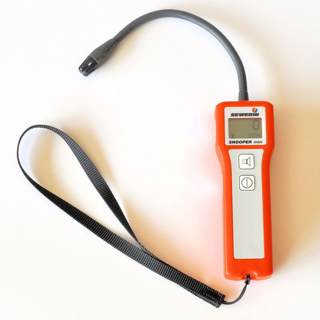 Detektor gazu Snooper mini z krótkim wysięgnikiem elastycznym przeznaczony do wykrywania nieszczelności metanu (CH4)